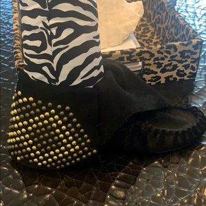 STUDDED MOCCASIN BOOTIE